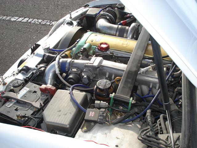 チューニングカー エンジン